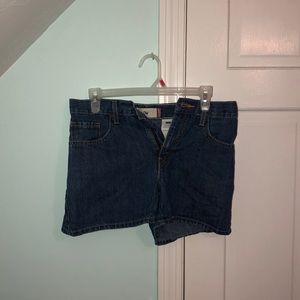 Levi low rise shorts